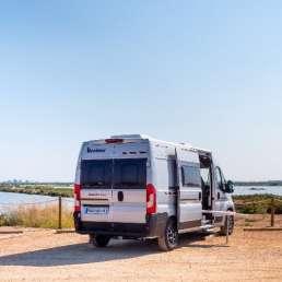 Trasera vehículo Benivan 119. Autocaravana